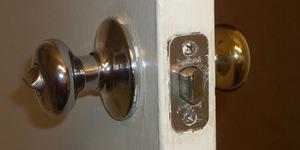 Дверные замки и правила их установки
