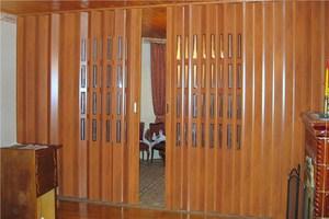 Дверь-гармошка в дизайне интерьера