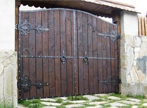 Как украсить входные ворота