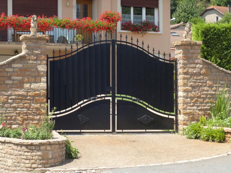Ворота для частного дома фото
