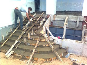 Ступени из бетона на крыльце