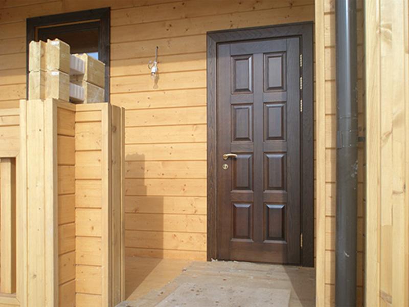 входные двери для загородного дома москва