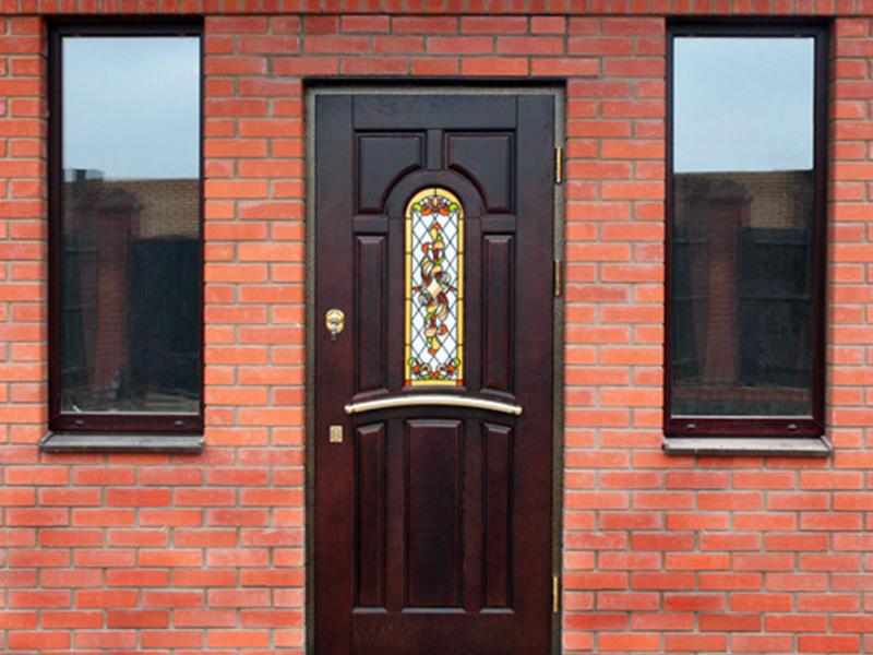 стальные двери фасад дома коттеджа