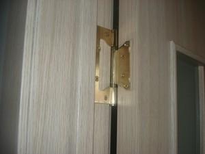 Установка дверных петель бабочка