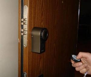 Электрический замок на входную дверь