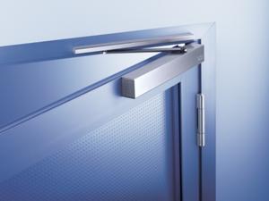Как правильно установить доводчик на металлическую дверь