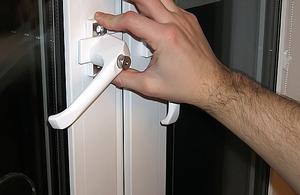 Как отрегулировать пластиковую входную дверь видео