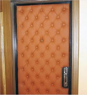 Как самим обшить двери