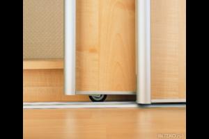 Выдвижная межкомнатная дверь: виды, особенности установки, достоинства и недостатки