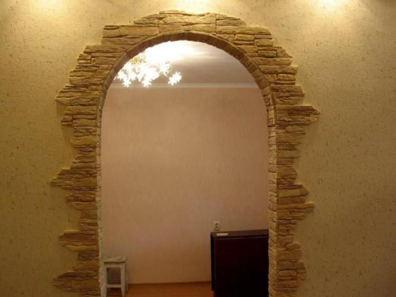 Арка из декоративного камня в квартире фото