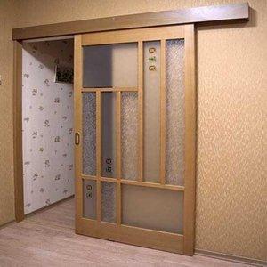 Преимущества навесных дверей