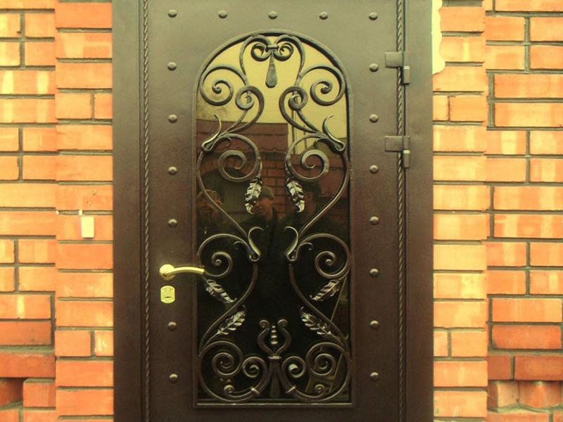 кованые двери входной дом