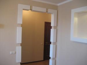 Как оформить дверной проем в зал своими руками